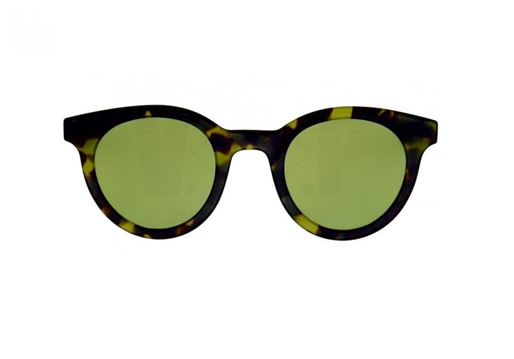 O modelo Dior Homme Blacktie 218S com formato redondo minimalista de  acetato havana amarelado As hastes de acetado preto sao ornamentadas com a  cicatriz ... 82fb82b974e0